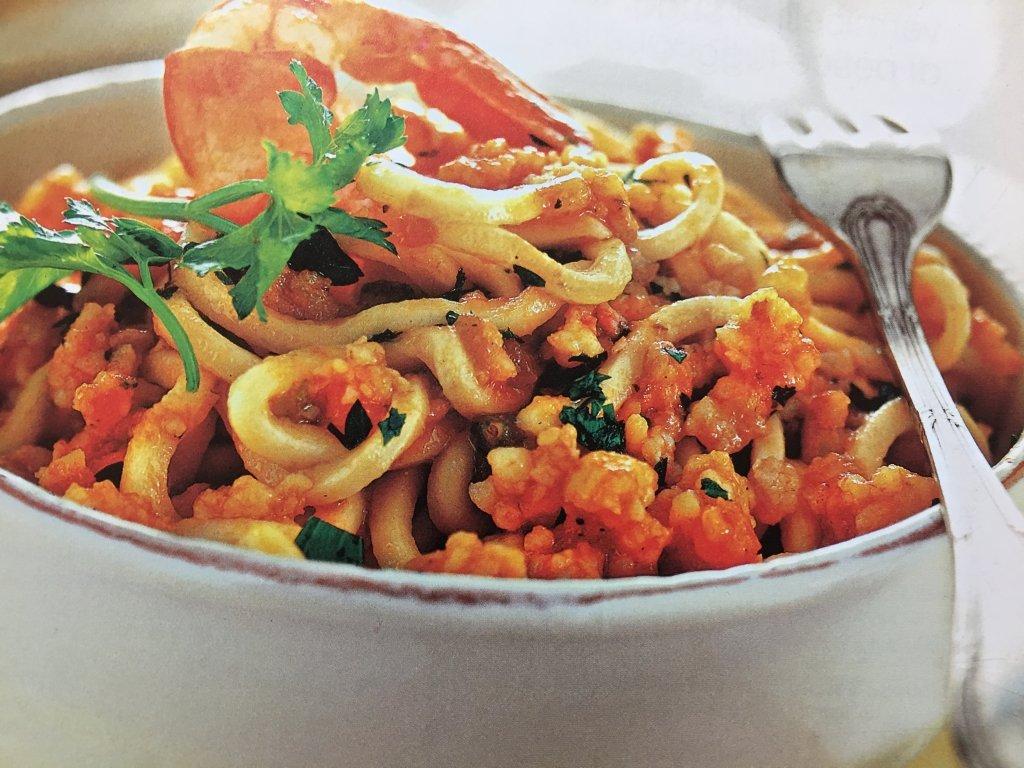 Ricetta Troccoli con ragù di gamberi e verdure