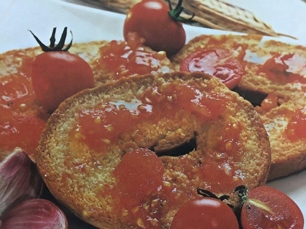 Ricetta Frisedde (pane biscottato)